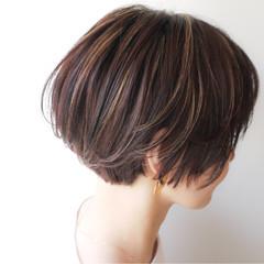 ナチュラル ショートボブ 女子力 ハイライト ヘアスタイルや髪型の写真・画像