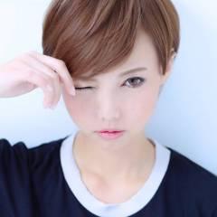ショート ストリート 秋 丸顔 ヘアスタイルや髪型の写真・画像
