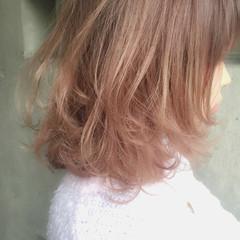 ガーリー ミディアム グラデーションカラー 外国人風 ヘアスタイルや髪型の写真・画像