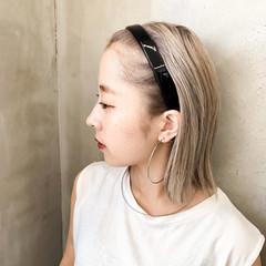 イメチェン ベージュ ナチュラル ブリーチ必須 ヘアスタイルや髪型の写真・画像