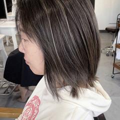 バレイヤージュ グレージュ 透明感カラー グラデーションカラー ヘアスタイルや髪型の写真・画像