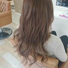 ロング ハイライト ダブルカラー ハイトーン ヘアスタイルや髪型の写真・画像