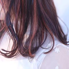 ガーリー イルミナカラー セミロング ピンク ヘアスタイルや髪型の写真・画像
