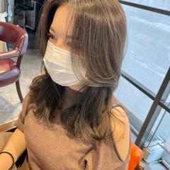 ナチュラル アッシュグレージュ 韓国ヘア セミロング ヘアスタイルや髪型の写真・画像