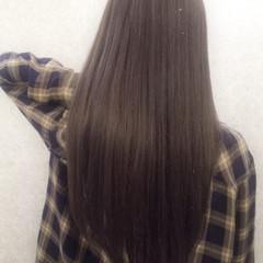 グレージュ アッシュ 艶髪 外国人風 ヘアスタイルや髪型の写真・画像