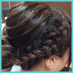 編み込み 結婚式 まとめ髪 ナチュラル ヘアスタイルや髪型の写真・画像
