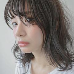 くせ毛風 ミディアム ナチュラル 大人かわいい ヘアスタイルや髪型の写真・画像