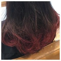 セミロング レッド ストリート ハイライト ヘアスタイルや髪型の写真・画像