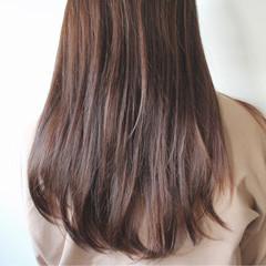 ブラウンベージュ アッシュベージュ ナチュラル パーマ ヘアスタイルや髪型の写真・画像