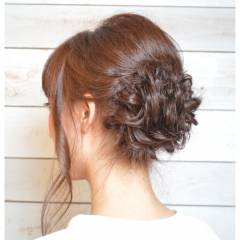 ねじり アップスタイル ミディアム 大人かわいい ヘアスタイルや髪型の写真・画像