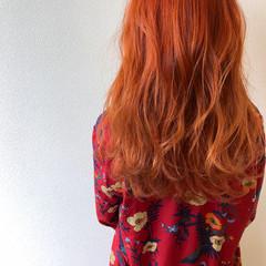 アプリコットオレンジ ダブルカラー ロング ガーリー ヘアスタイルや髪型の写真・画像