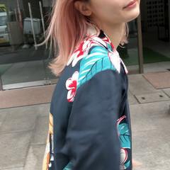 ブリーチカラー ペールピンク ピンク ストリート ヘアスタイルや髪型の写真・画像