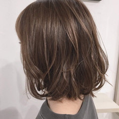 透明感 ボブ ハイトーン ブラウンベージュ ヘアスタイルや髪型の写真・画像