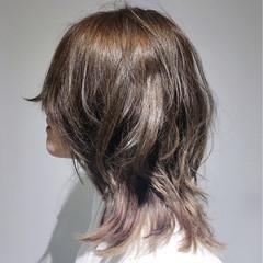 ハイライト バレイヤージュ ウルフカット ミディアム ヘアスタイルや髪型の写真・画像
