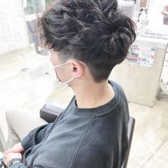 ナチュラル ショート メンズパーマ メンズスタイル ヘアスタイルや髪型の写真・画像
