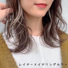 レイヤーカット フェミニン ミディアム 透明感カラー ヘアスタイルや髪型の写真・画像