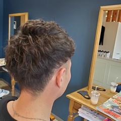 ナチュラル メンズヘア メンズパーマ メンズ ヘアスタイルや髪型の写真・画像