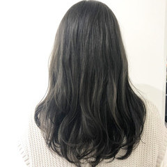 ダブルカラー グレージュ ロング ラベンダーグレージュ ヘアスタイルや髪型の写真・画像