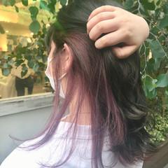 セミロング インナーカラー インナーカラーパープル フェミニン ヘアスタイルや髪型の写真・画像