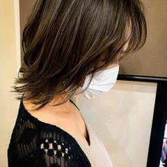 外国人風カラー ダブルカラー ナチュラル 外ハネ ヘアスタイルや髪型の写真・画像