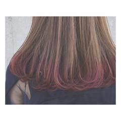 デート ピンクアッシュ グラデーションカラー ロング ヘアスタイルや髪型の写真・画像