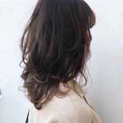 透明感カラー セミロング 大人かわいい ベージュ ヘアスタイルや髪型の写真・画像