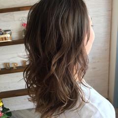 セミロング 色気 ミルクティー ストリート ヘアスタイルや髪型の写真・画像
