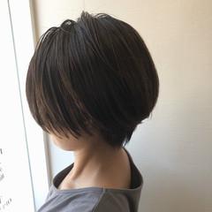 アディクシーカラー ハンサムショート 透明感 アッシュグレー ヘアスタイルや髪型の写真・画像