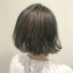 ハイライト ナチュラル アッシュ ボブ ヘアスタイルや髪型の写真・画像