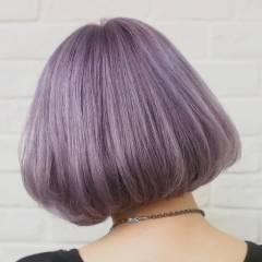 ラベンダーアッシュ ハイトーン ストリート パープル ヘアスタイルや髪型の写真・画像
