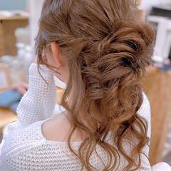 ヘアアレンジ ねじり フェミニン 簡単ヘアアレンジ ヘアスタイルや髪型の写真・画像
