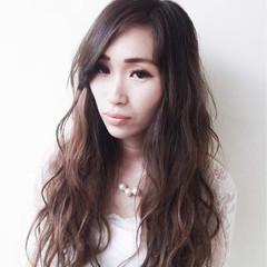 外国人風カラー グラデーションカラー グレージュ アッシュ ヘアスタイルや髪型の写真・画像