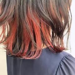 ミディアム ガーリー インナーカラーレッド インナーカラー ヘアスタイルや髪型の写真・画像
