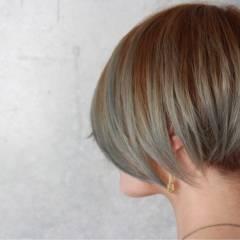 ショート モード グラデーションカラー ストリート ヘアスタイルや髪型の写真・画像