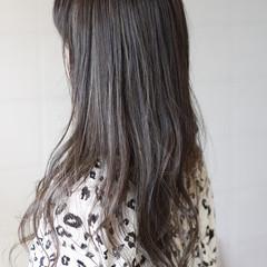 デザインカラー レイヤーカット ハイライト コンサバ ヘアスタイルや髪型の写真・画像