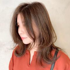 ミディアム レイヤーカット 抜け感 毛束感 ヘアスタイルや髪型の写真・画像