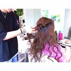 ルーズ パーティ フェミニン ハーフアップ ヘアスタイルや髪型の写真・画像