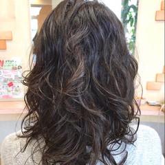 パーマ アンニュイ ウェーブ ゆるふわ ヘアスタイルや髪型の写真・画像