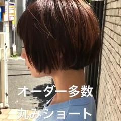 ナチュラル 耳かけ 黒髪 秋 ヘアスタイルや髪型の写真・画像