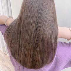 ロング ミルクティーベージュ ベージュ 艶髪 ヘアスタイルや髪型の写真・画像
