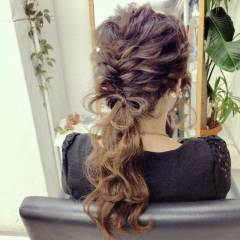 ヘアアレンジ ゆるふわ フィッシュボーン フェミニン ヘアスタイルや髪型の写真・画像