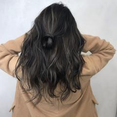 秋 冬 透明感 アッシュ ヘアスタイルや髪型の写真・画像