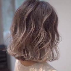 外国人風カラー ボブ ハイライト バレイヤージュ ヘアスタイルや髪型の写真・画像