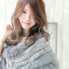 大人女子 パーマ 外国人風 大人かわいい ヘアスタイルや髪型の写真・画像