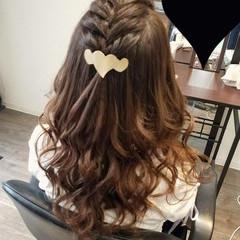 セミロング 編み込み ヘアアレンジ ガーリー ヘアスタイルや髪型の写真・画像