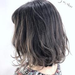 ベージュ ヌーディベージュ アッシュベージュ フェミニン ヘアスタイルや髪型の写真・画像