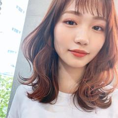 ウルフカット インナーカラー フェミニン 透明感カラー ヘアスタイルや髪型の写真・画像