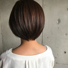 大人かわいい ショート 秋 オフィス ヘアスタイルや髪型の写真・画像