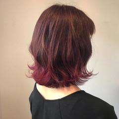 ミディアム ミディアムレイヤー グラデーションカラー 裾カラー ヘアスタイルや髪型の写真・画像