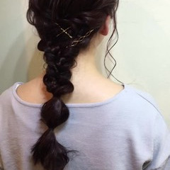 ナチュラル 編み込み 簡単ヘアアレンジ ミディアム ヘアスタイルや髪型の写真・画像
